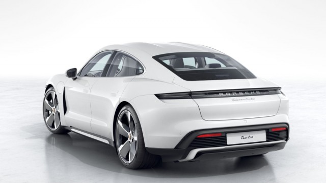 Изображение 4: Porsche Taycan Turbo 2020