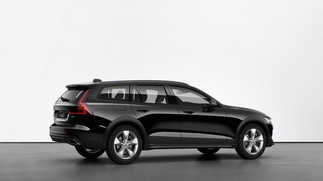 Изображение 5: Volvo V60CC 2021 Momentum Pro