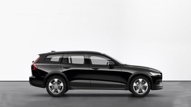 Изображение 2: Volvo V60CC 2021 Momentum Pro