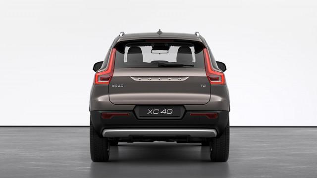 Изображение 4: Volvo XC40 2021 Momentum Pro