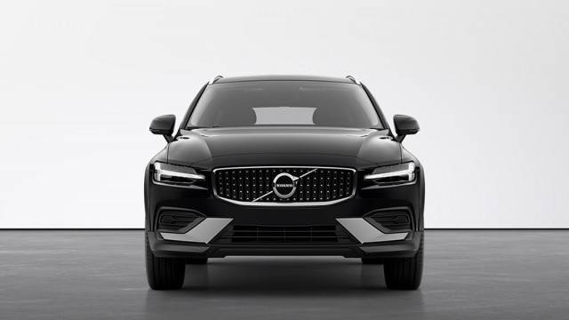 Изображение 3: Volvo V60CC 2021 Momentum Pro
