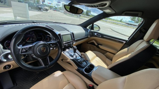 Изображение 2: Porsche Cayenne 2015 V6